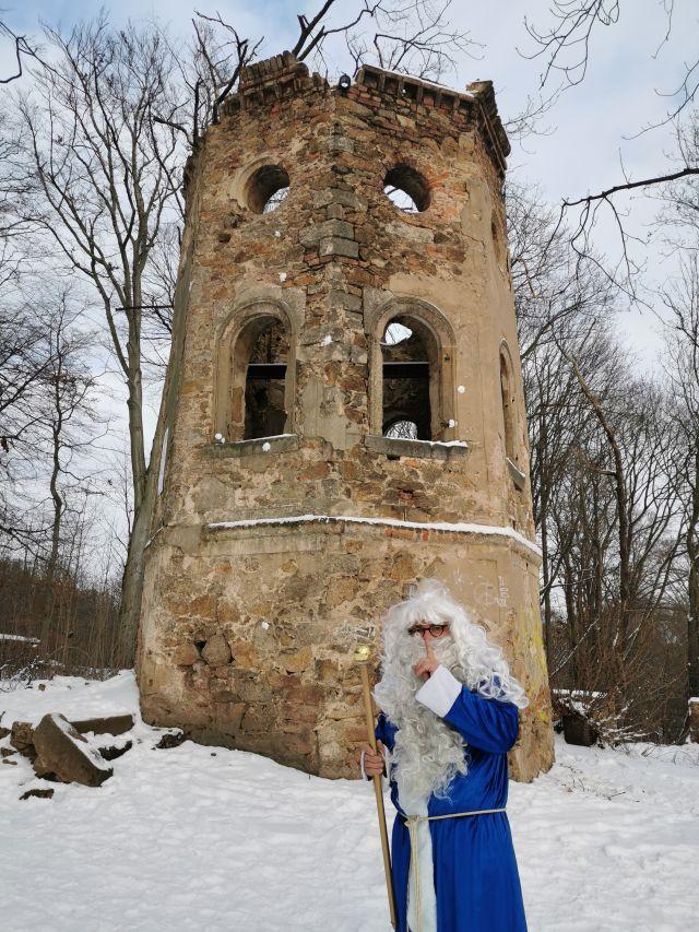 Großväterchen Frosts Zuhause gefunden